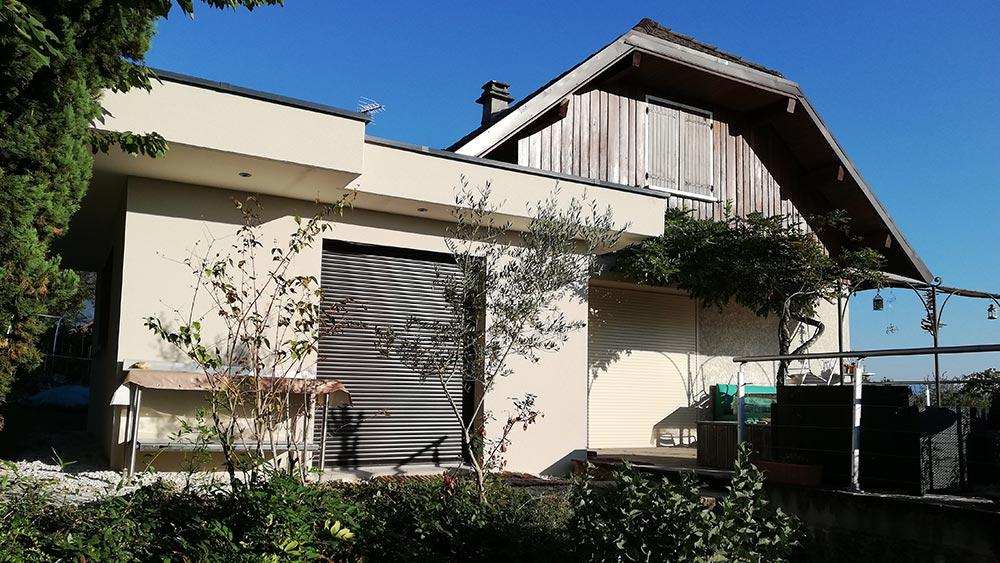 La motte servolex extension toit plat dalle béton de 20 m² avec crépi.